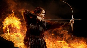 Movies_Hunger_games_catching_fire__hero_is_aiming_046424_